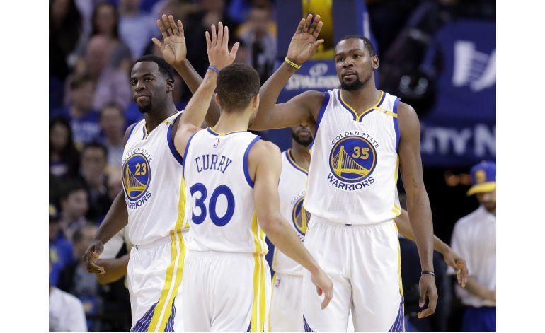 Curry y Durant lideran a Warriors frente a Trail Blazers