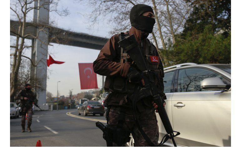 Turquía: más redadas antiterroristas tras ataque de Estambul