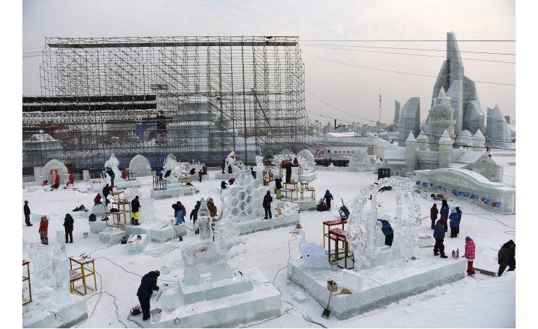 Gélida región china acoge festival de esculturas de hielo