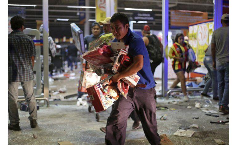 México: Un muerto en tumultos por aumento a la gasolina