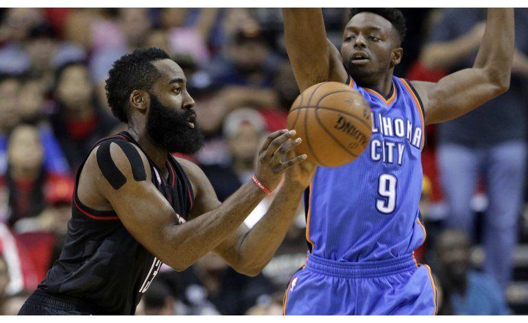 Tiros libres de Nené le dan triunfo a Rockets sobre Thunder