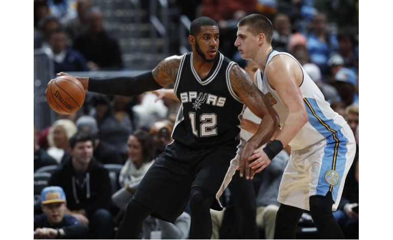 Aldridge encabeza paliza de Spurs sobre Nuggets