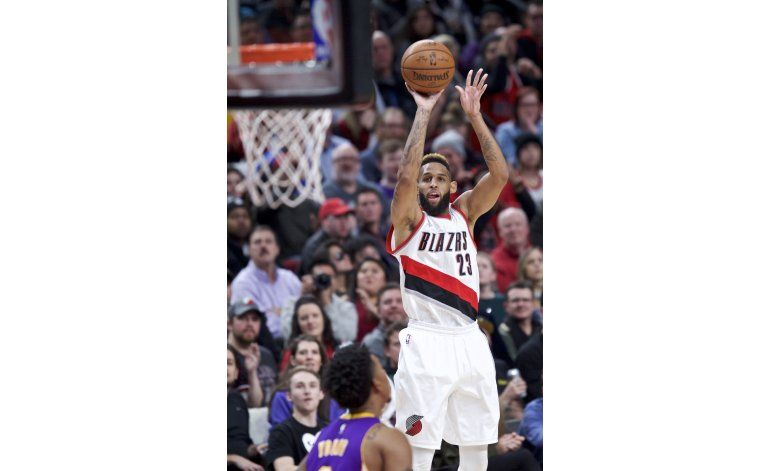 Trail Blazers vencen a los Lakers por 118-109