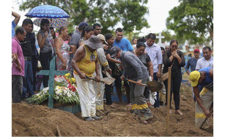 Brasil: 31 muertos en motín penal; unos fueron destripados