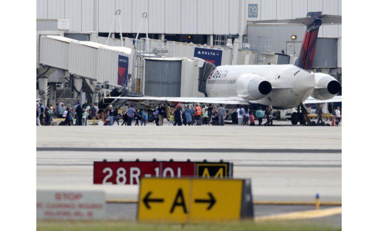 Tiroteo en el aeropuerto de Fort Lauderdale deja 8  heridos y 5  muertos