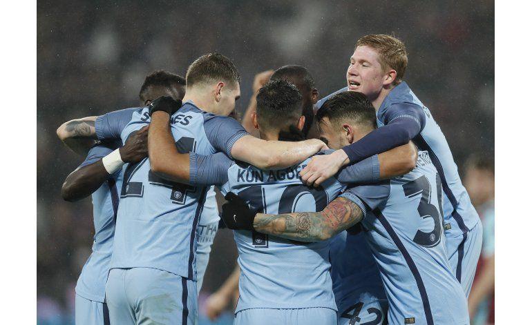 Man City aplasta 5-0 a West Ham y avanza en Copa FA