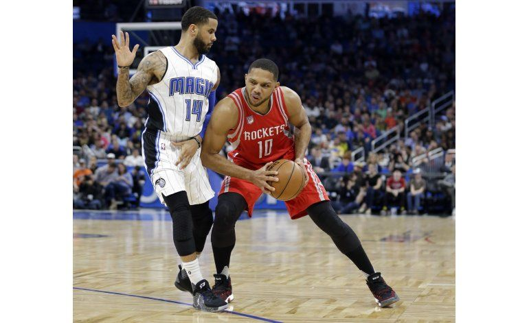 Rockets vencen a Magic y llegan a 7 triunfos seguidos