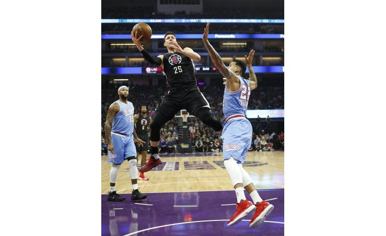 Rivers marca 24 y los Clippers vencen a los Kings 106-98