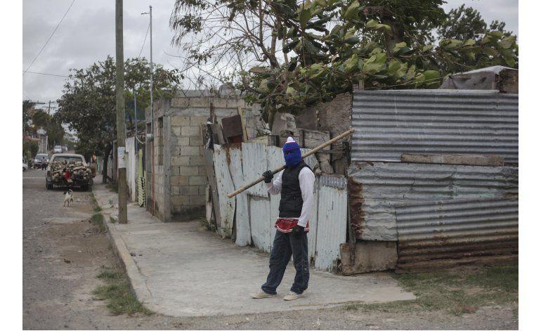 México: Siguen protestas por alza de gasolina; bajan saqueos