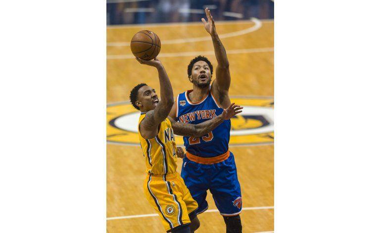 Pacers doblegan a Knicks y enhebran 5ta victoria