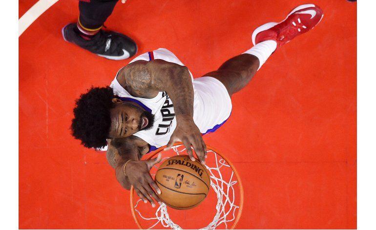Clippers vencen a Heat y enhebran 4to triunfo