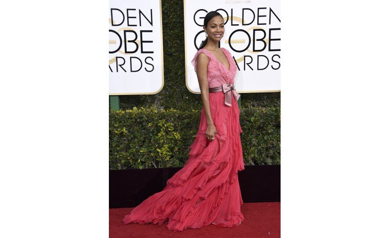 El rosa domina la alfombra roja de los Globos de Oro