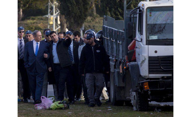 Policía israelí detiene a 9 tras ataque palestino con camión