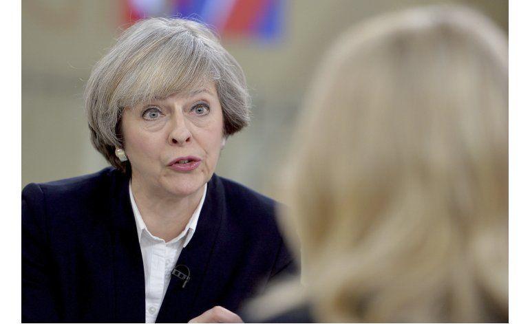 Cae la libra británica tras declaraciones sobre Brexit