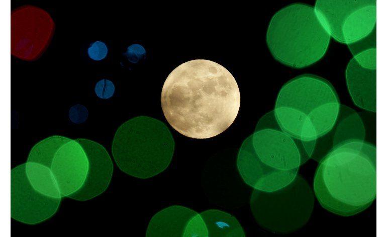 Nuestra Luna se pudo haber formado de otras más pequeñas