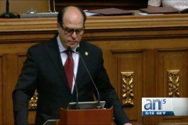 parlamento declara abandono del cargo  de maduro