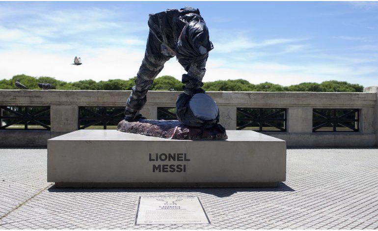 Argentina: decapitan y mutilan estatua de Messi