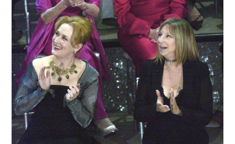 Barbra Streisand apoya críticas de Meryl Streep a Trump