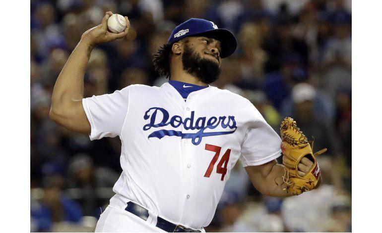 Jansen completa su contrato para seguir con Dodgers