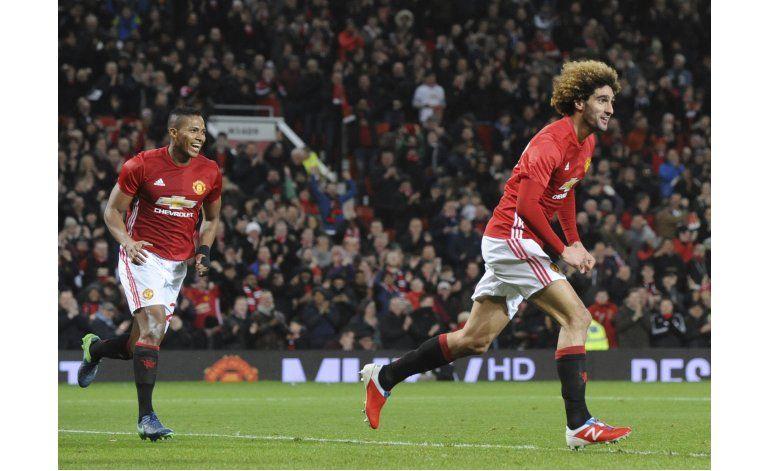 Man U pone un pie en final de la Copa de Liga