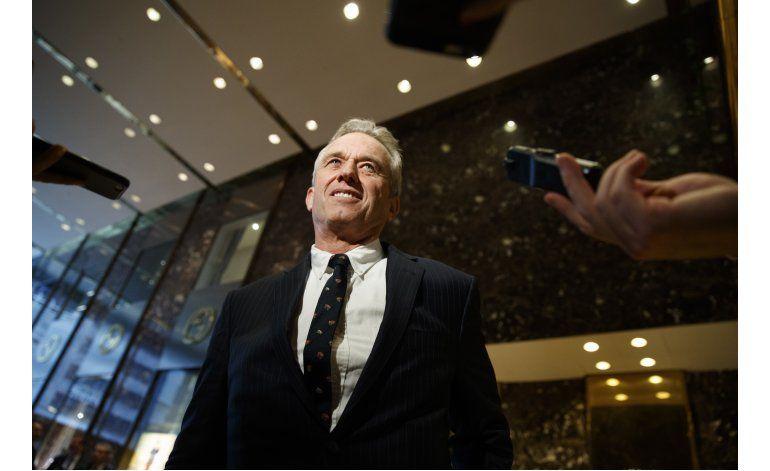 Trump pide investigar seguridad de vacunas