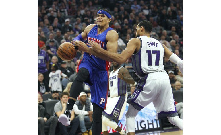 Cousins scores 24, Kings come back to beat Pistons 100-94