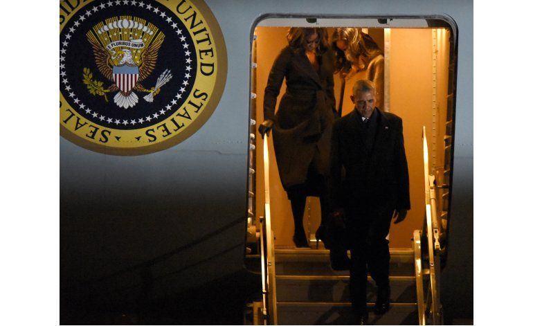 Obama regresa a Casa Blanca tras último vuelo en Air Force 1