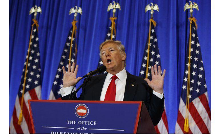 Trump vuelve a criticar a agencias de inteligencia de EEUU