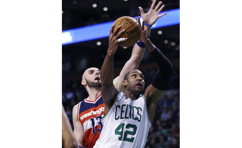 Thomas anota 38, Celtics vencen a Wizards
