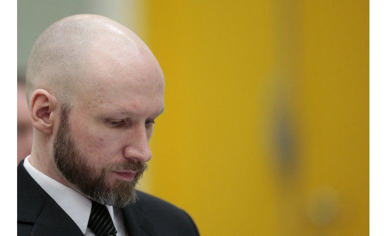 Noruega: Asesino en masa dice que aislamiento lo radicalizó