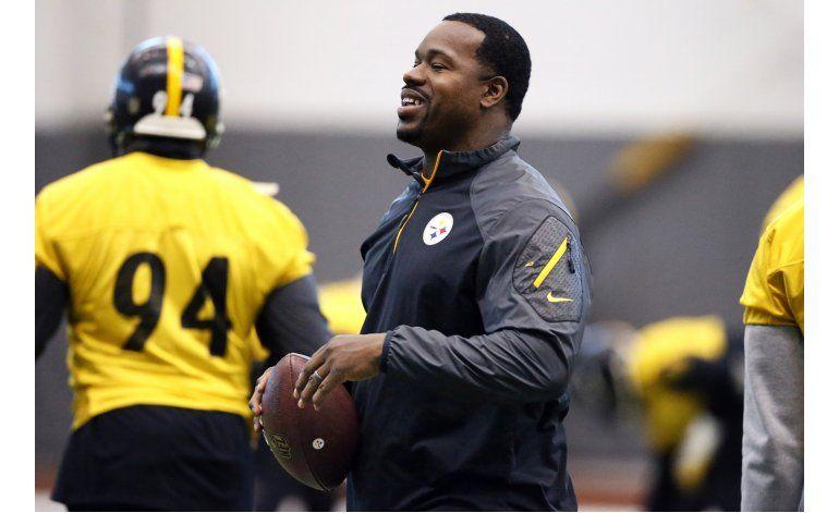 Retiran casi todos los cargos contra asistente de Steelers