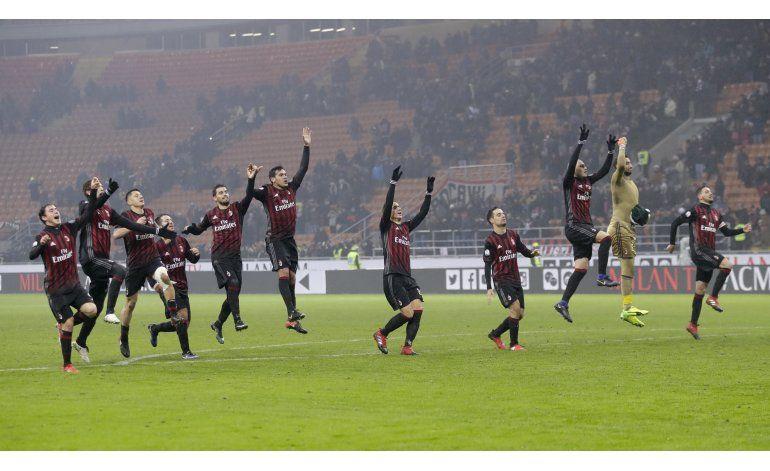Milan elimina a Torino y se cita con Juventus en cuartos