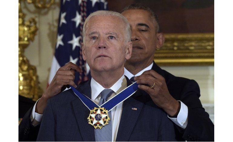 Obama otorga a Biden la Medalla Presidencial de Libertad