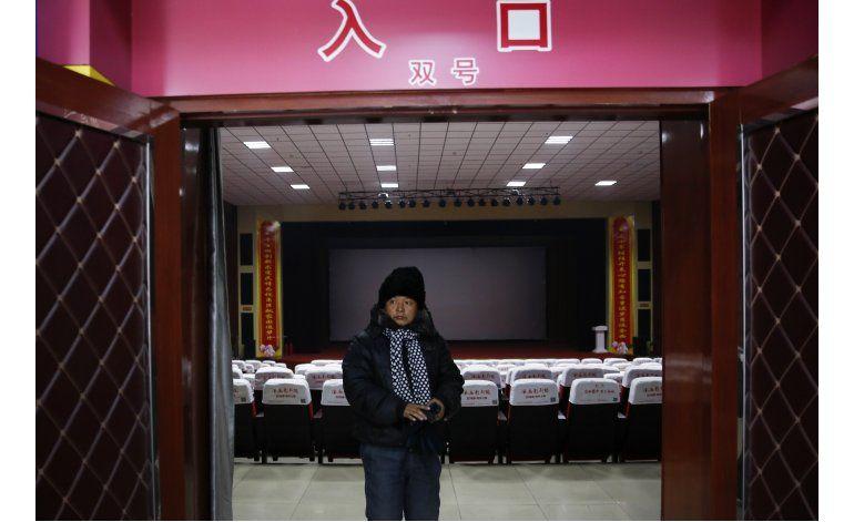 China supera a EEUU en salas de cine, pero están vacías