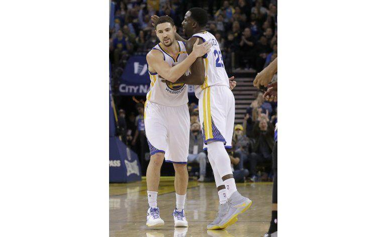 Curry, Durant y Thompson superan los 20 puntos ante Pistons