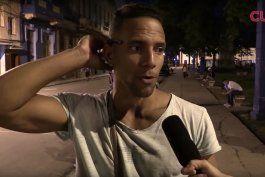 cubanos opinan: la gente se va a seguir tirando al mar