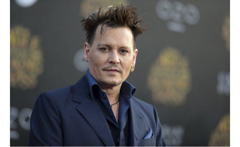 Johnny Depp demanda a ex managers por pérdidas millonarias
