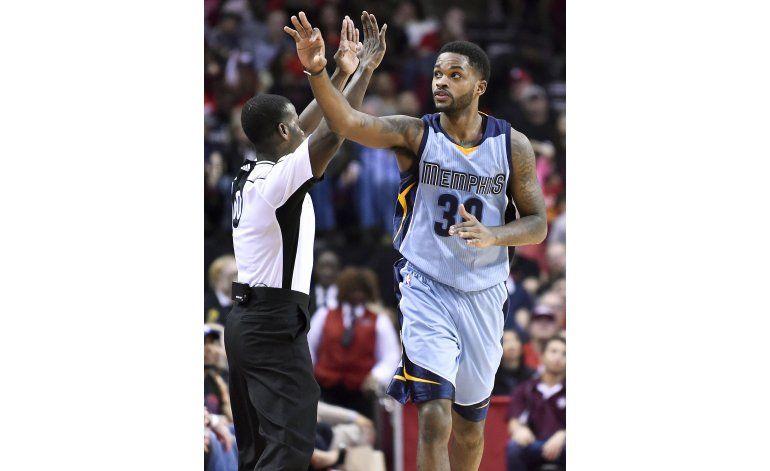 Allen aporta 22 puntos a triunfo de Grizzlies sobre Rockets