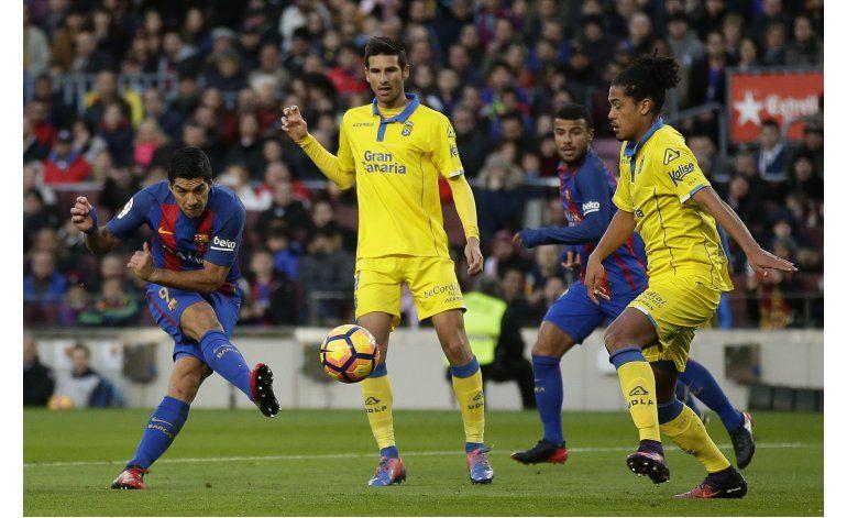 Messi y Suárez golean y el Barcelona endereza el rumbo
