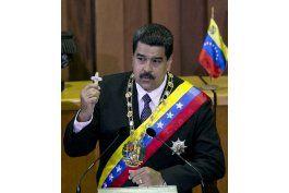 Venezuela: Maduro amenaza con lucha armada si intentan golpe