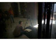 academicos trabajan para salvar archivos coloniales en cuba