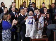 obama rinde homenaje a los campeones cachorros