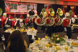 jungle island celebra el dia de martin luther king jr. con un desayuno para los adolescentes mas necesitados