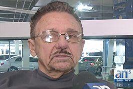 reaccionan familiares de cubanos varados en aeropuerto internacional de miami