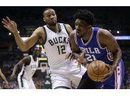 embiid brilla en ultimo cuarto, 76ers vencen a bucks