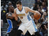 jokic anota 30 puntos y nuggets vencen al magic
