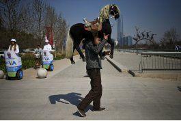 chileno suena con rescatar fotografia con maquina de cajon