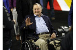 portavoz: george h.w. bush, hospitalizado en houston