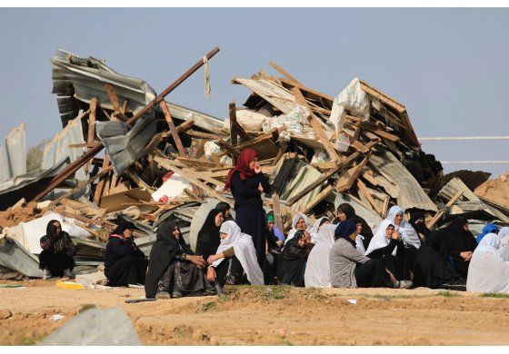Israel dice que árabe israelí trató de arrollar a policías