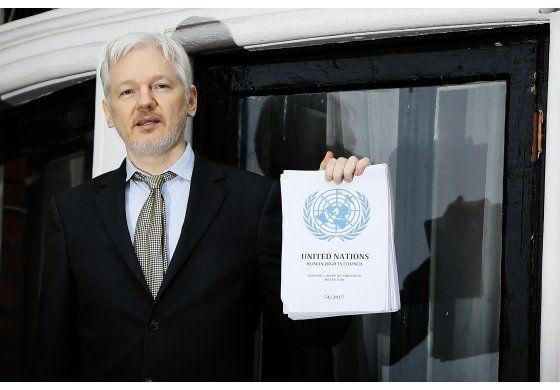Abogado: Incumplidas condiciones de Assange para extradición